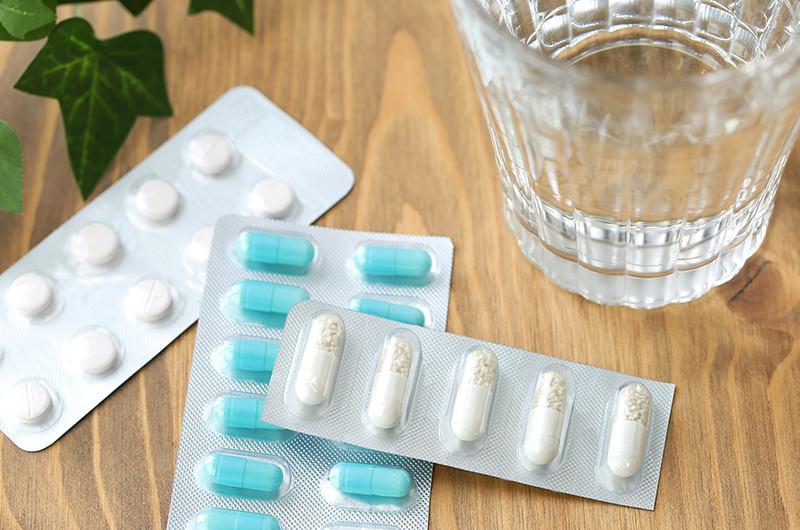 各種お薬を使って進行を抑えます
